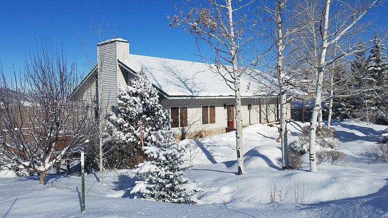 FULLER/DAZE PRIVATE HOME ON MOUNTAIN, casa vacanza a Oak Creek