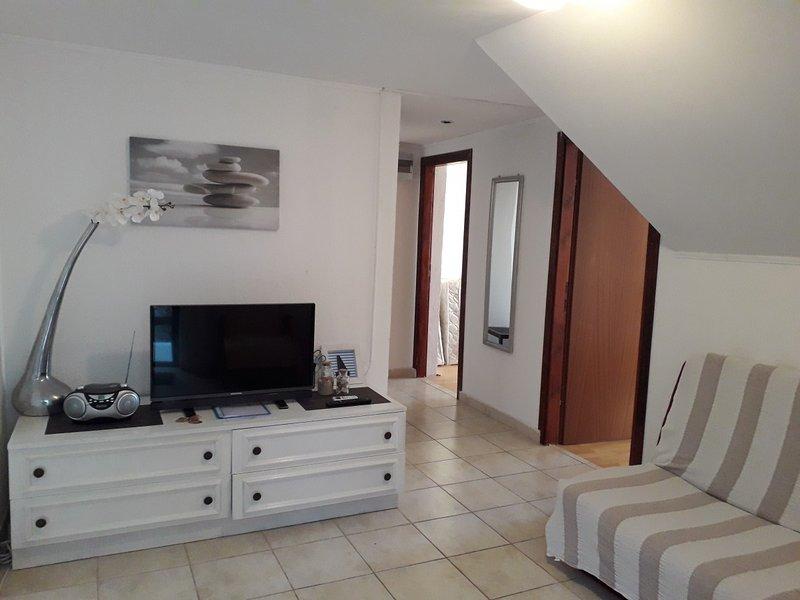 Holiday home 175416 - Holiday apartment 192375, location de vacances à Tribanj