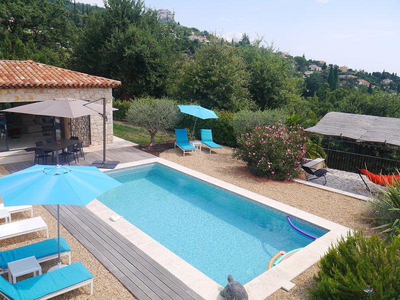Villa Néo Provençale sur les hauteurs de Vence, holiday rental in Vence