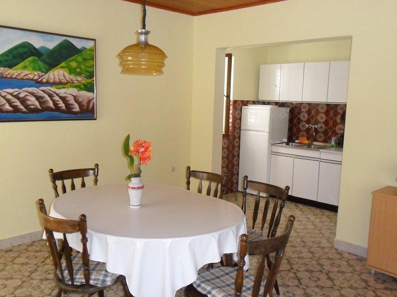 Holiday home 142626 - Holiday apartment 150235, location de vacances à Prizba