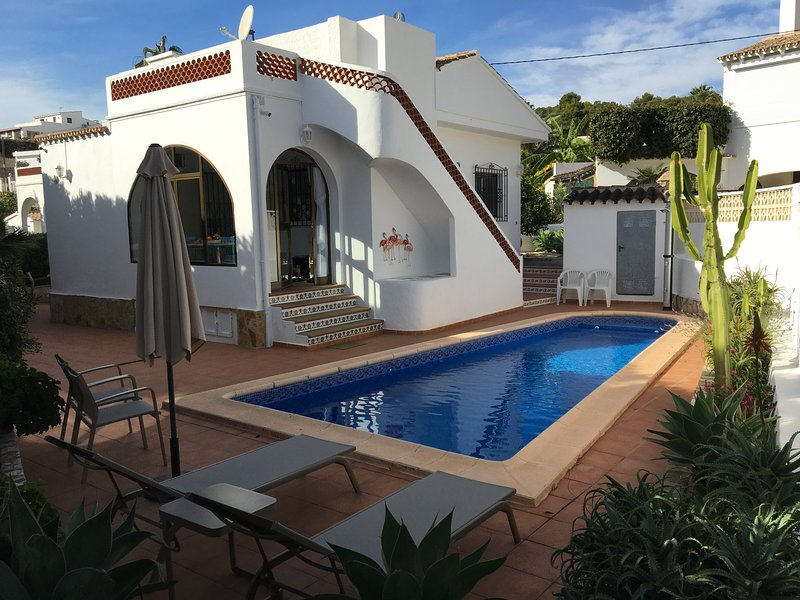 Benissa Vacation villa rental near beach, private pool, internet access, aircon, holiday rental in La Llobella