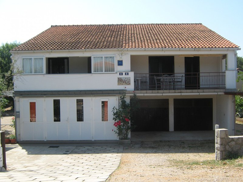 Holiday home 162277 - Holiday apartment 162398, vacation rental in Njivice