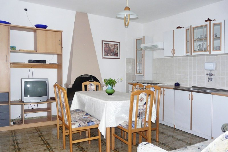 Holiday home 139259 - Holiday apartment 115646, location de vacances à Prizba