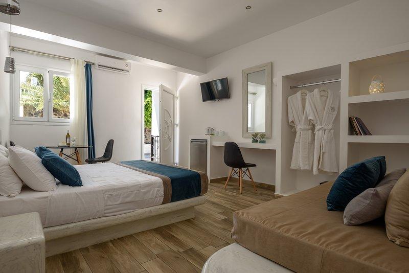 Oasis Hotel - Junior Room, holiday rental in Karterádhos