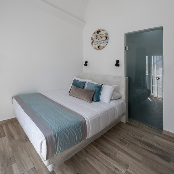 Oasis Hotel - Standard Double room with balocny, holiday rental in Karterádhos