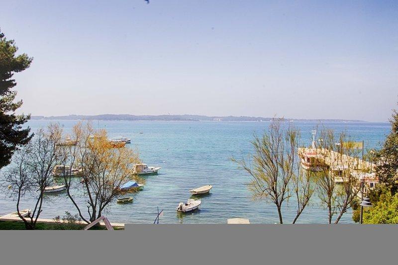 Holiday home 157505 - Holiday apartment 152392, casa vacanza a Drvenik