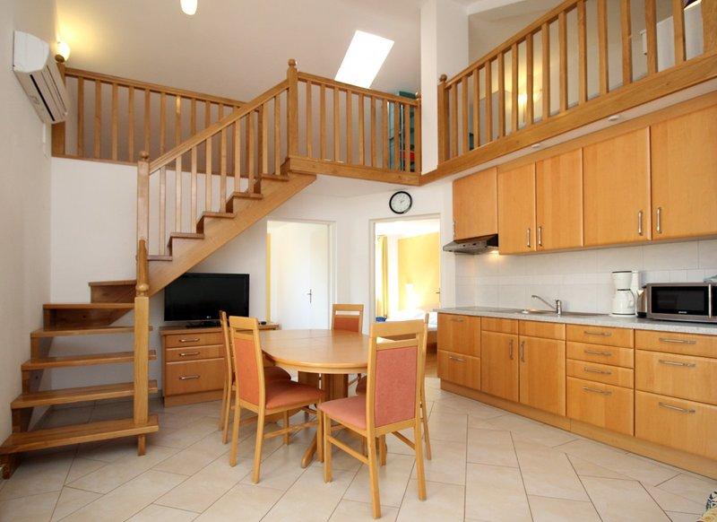 Holiday home 110146 - Holiday apartment 86475, vacation rental in Batomalj