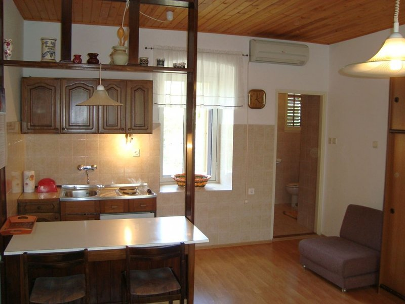 Holiday home 143974 - Studio apartment 127104, holiday rental in Omisalj