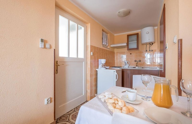 Holiday home 143993 - Studio apartment 127170, vacation rental in Srebreno