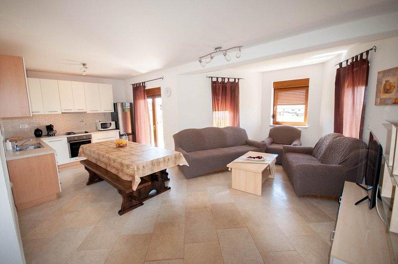 Holiday home 186348 - Holiday apartment 217407, location de vacances à Verteneglio