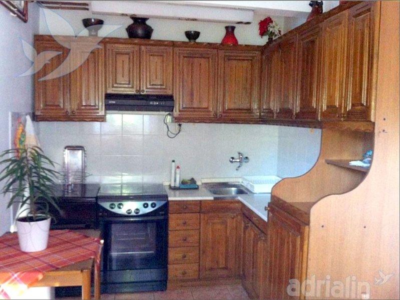 Holiday home 185322 - Holiday apartment 215322, location de vacances à Dreznicko Seliste