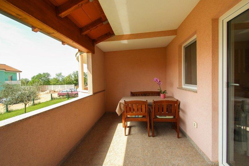 Holiday home 114368 - Holiday apartment 15594, holiday rental in Buzinija