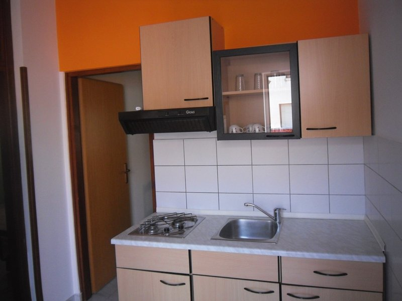 Holiday home 107691 - Holiday apartment 220710, holiday rental in Vintijan