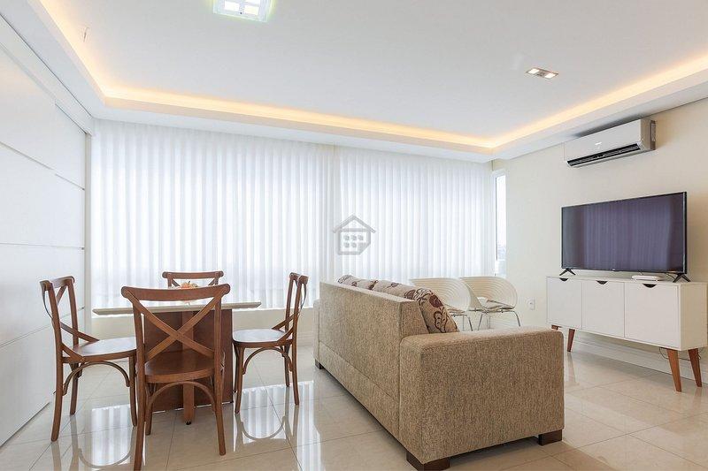 Apartamento de luxo em bairro nobre - c/ garagem, location de vacances à Viamao