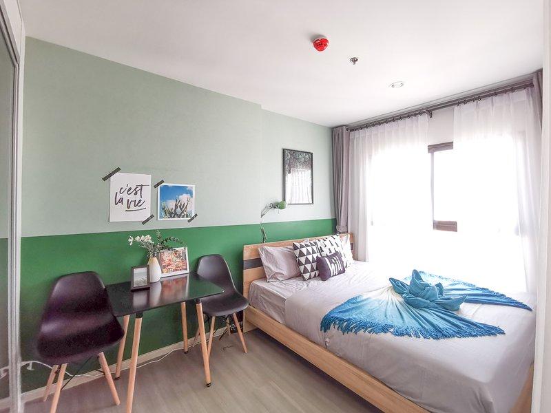 【hiii】Variegata*with Kitchen*10min To Grand Palace&Khao San Road*MRT-BKK205, holiday rental in Bang Kruai