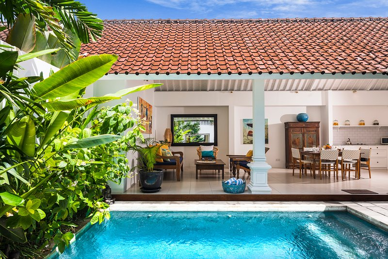 VILLA ATMA 5MINS TO SEMINYAK CENTER, holiday rental in Kuta