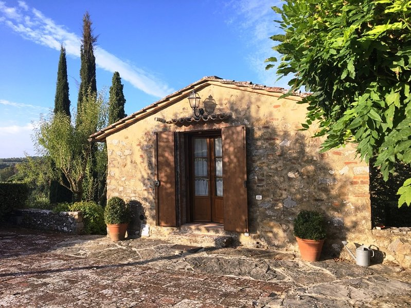 Relax in Tuscany - Holiday House TRE CIPRESSI, location de vacances à San Gusme