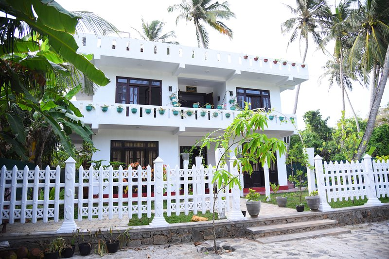 Villa in Galle Relax House, holiday rental in Pitiwella