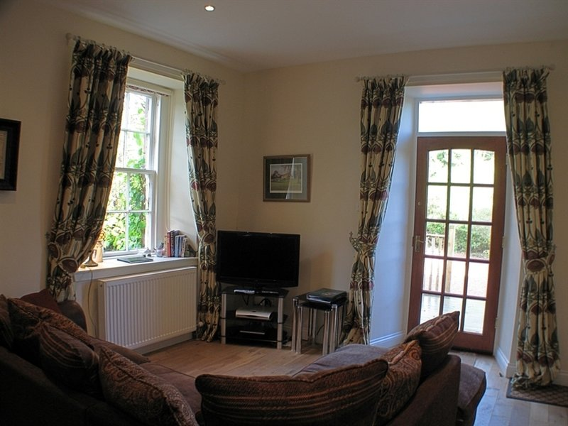 Rose Cottage, holiday rental in Langbank