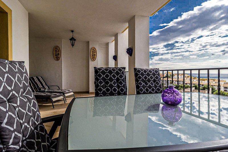 Sea view and comfortable 6 persons apartment, Ferienwohnung in Altea la Vella
