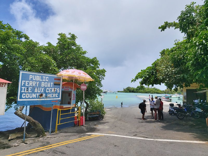Embarkation point to Ile aux Cerfs