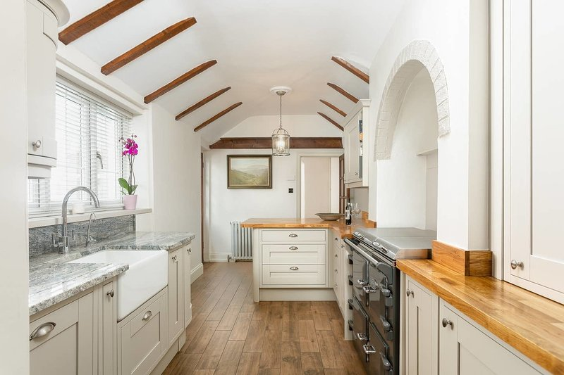 Stunning 2BD property w/ garden in Salisbury, location de vacances à Amesbury