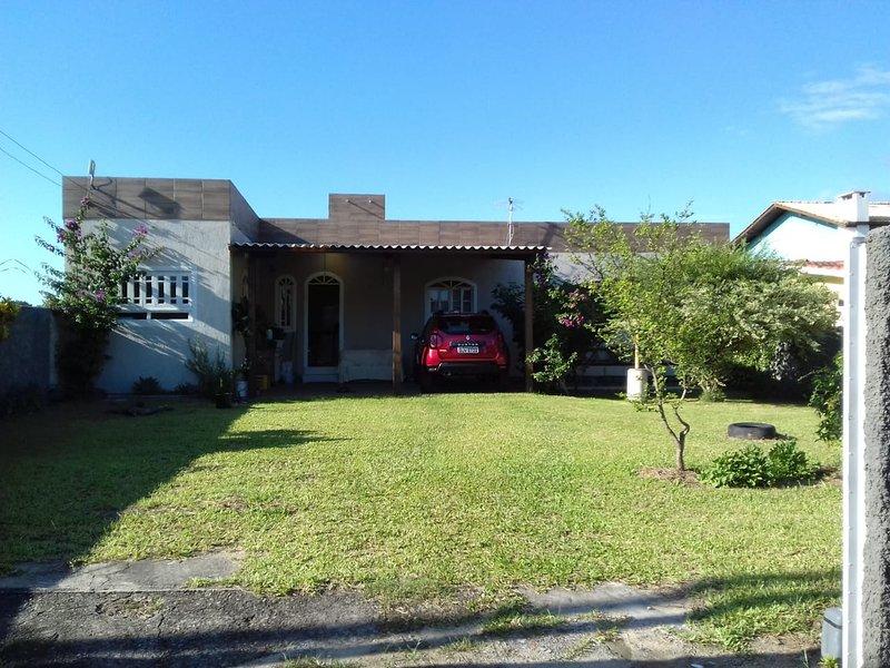 Casa 3Q Praia do Moçambique - até 7 pessoas, holiday rental in Sao Joao do Rio Vermelho