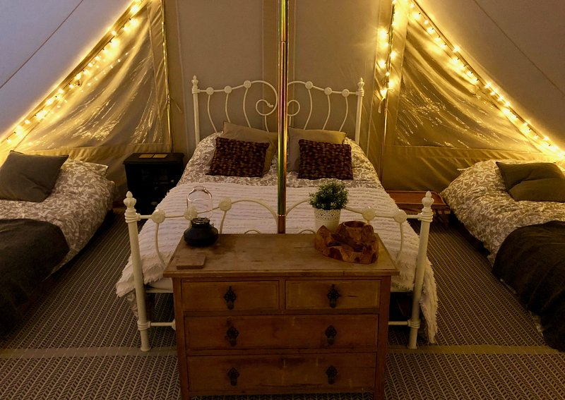 Luxury Glamping Tent, holiday rental in Wisbech Saint Mary