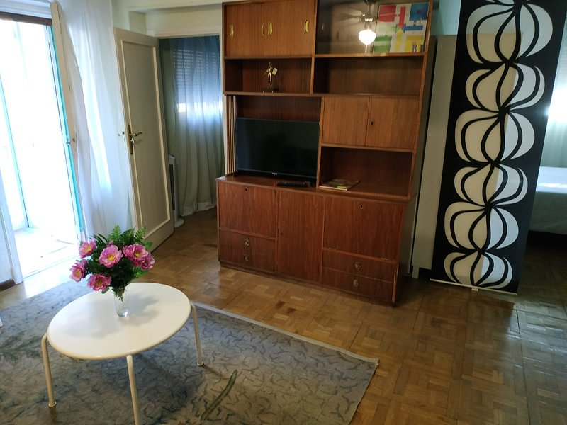 Apartamento edificio Praga, vacation rental in Leganes