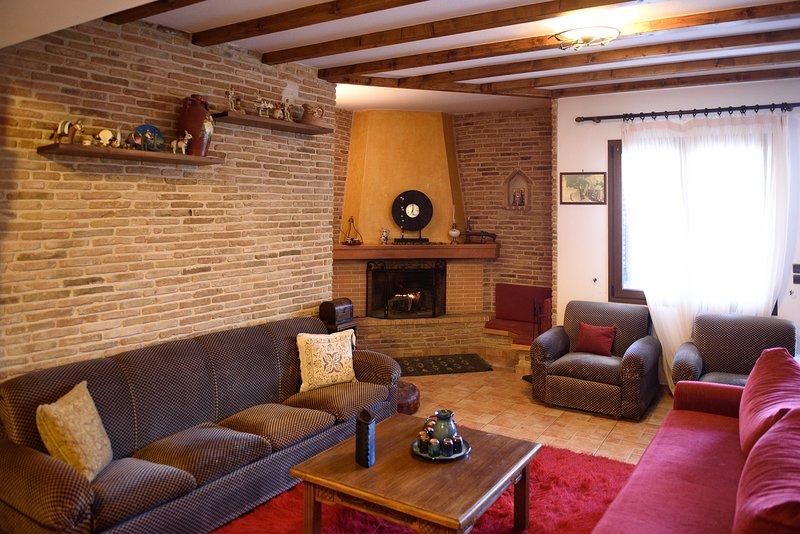 Villa Mainalo - House near the Forest & Ski resort, holiday rental in Vytina