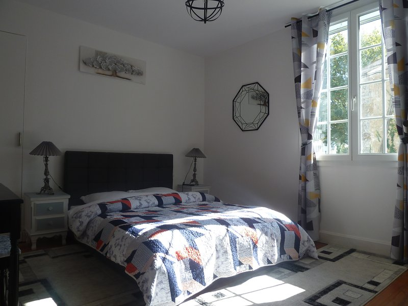 Chambre double, vacation rental in Escos