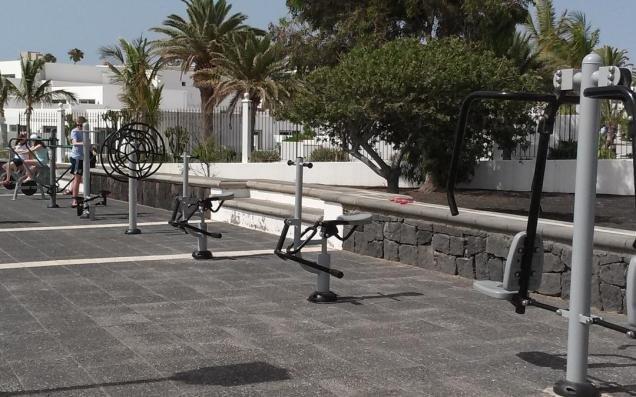 Área para mantenerse en forma al aire libre
