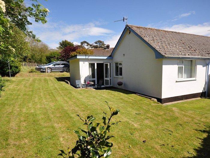 Croyde Shores Holiday Cottage in Croyde, North Devon, vacation rental in Saunton