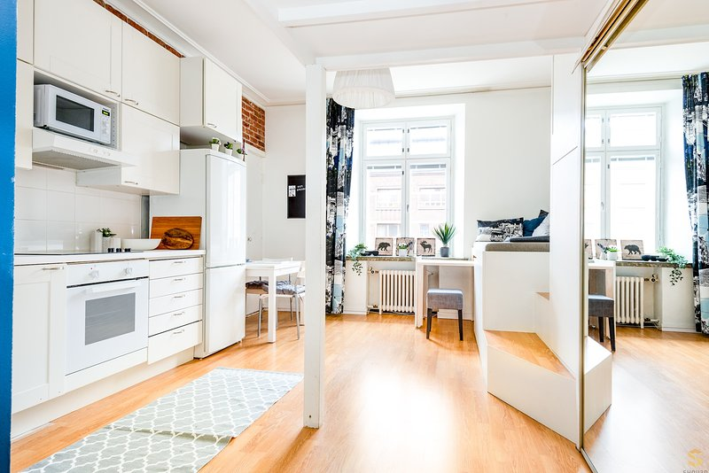 Convenient and Pretty WeHost *Mechelininkatu, holiday rental in Western Finland