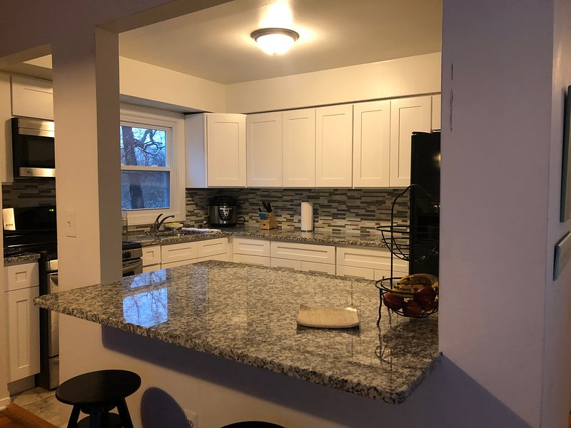 Summer  House  in long branch nj, walk to the beach and pier village, vacation rental in Highlands