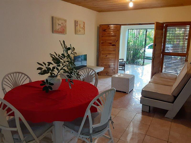 Apartamento Legot: Cozy Place in budget, holiday rental in Maria Trinidad Sanchez Province