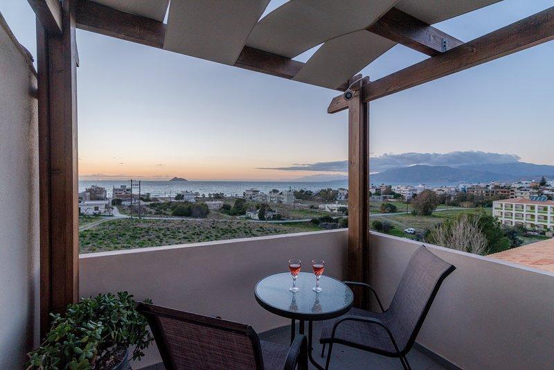 *Best offer*House near the sea*Amazing Sunset View, location de vacances à Kalamaki