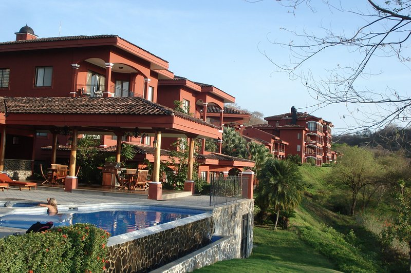 Spectacular ocean views with amazing resort amenities!!!, holiday rental in Playa Conchal