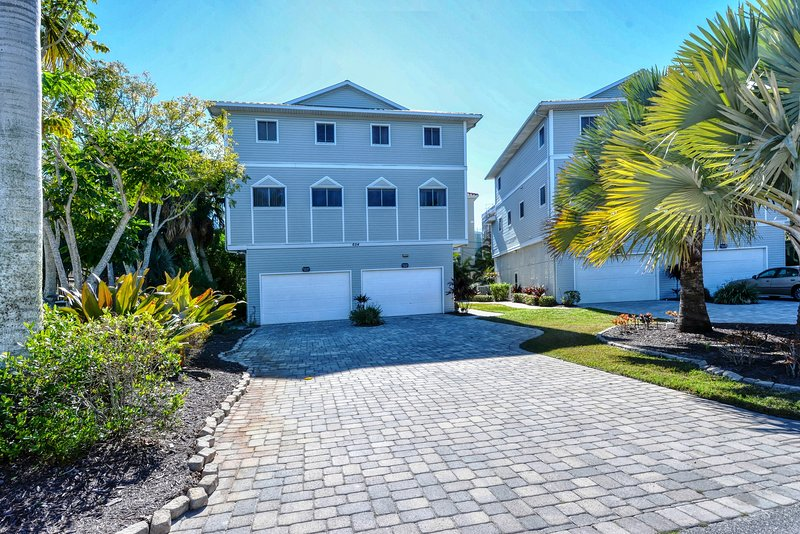 Beachwalk - Siesta Key Beach - 3BR Townhouse - Heated Pool - upscale, vacation rental in Siesta Key