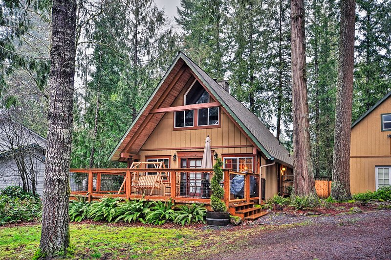 Tuck in the beds of this charming cabin that is tucked in the woods!