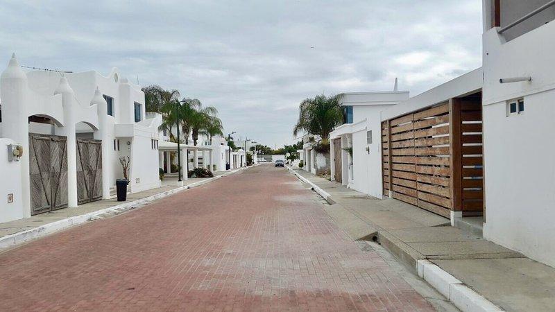 Capaes, Ruta del Spondylus, holiday rental in Punta Blanca