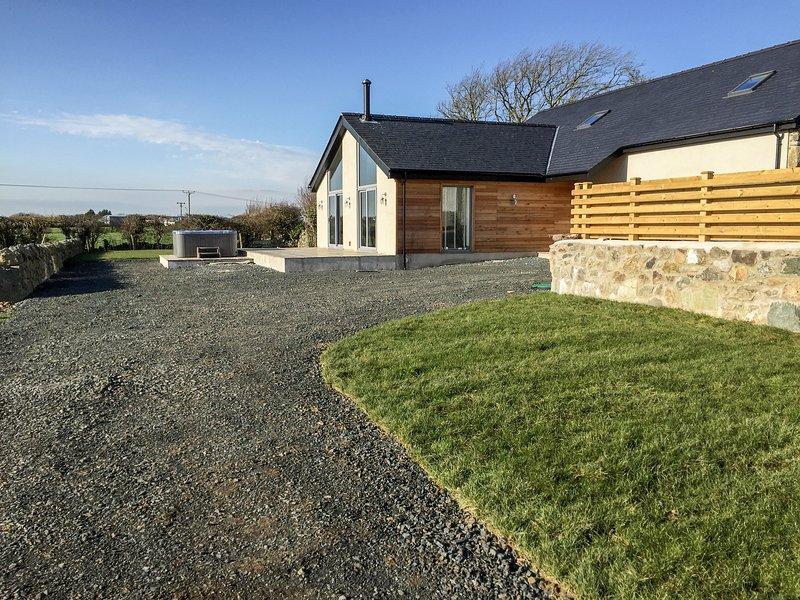 Cae Sam, Pentraeth, holiday rental in Llanfairpwllgwyngyll