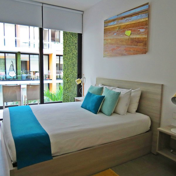 Beautiful modern studio, located 4 blocks from the beaches and 3 from Fifth Aven, holiday rental in Playacar