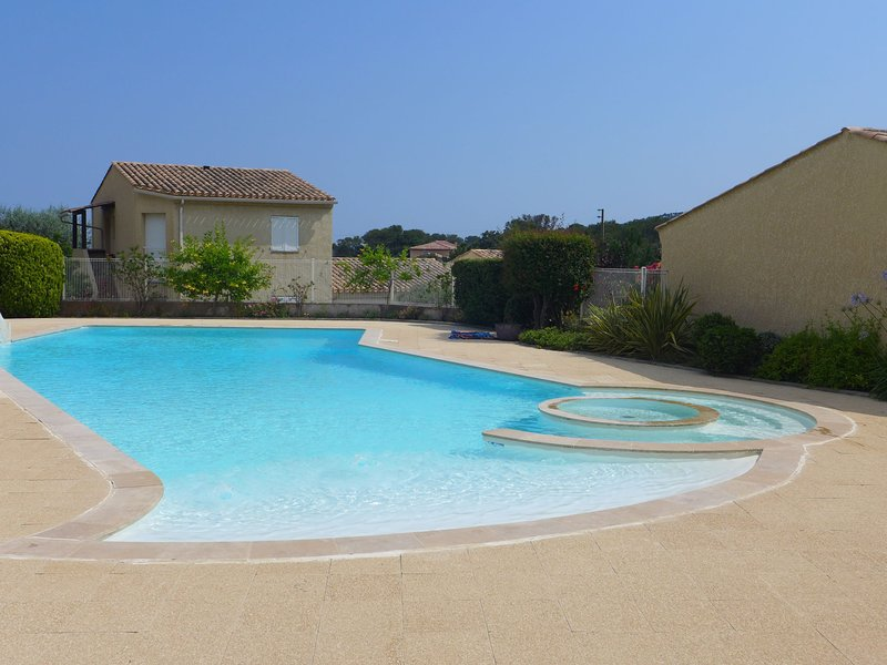 LES MAS DE LA MER, vacation rental in Saint-Aygulf