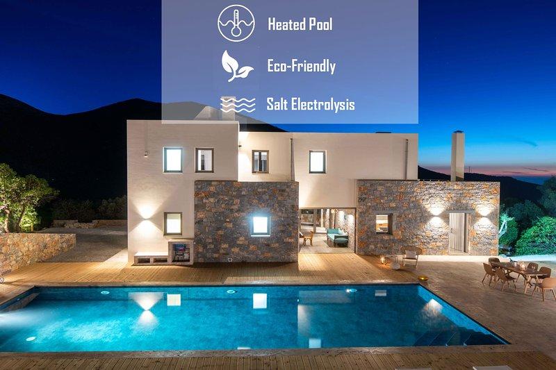 Villa Adagio | 5 Bedrooms Villa with Private, Eco-Friendly Heated Pool, holiday rental in Epano Sisi