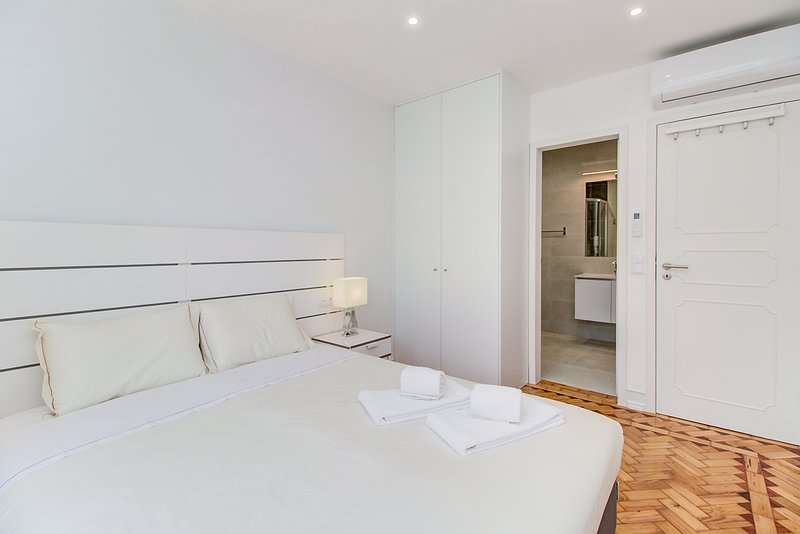 Suite with private bathroom. Air conditioning in all bedrooms and living room