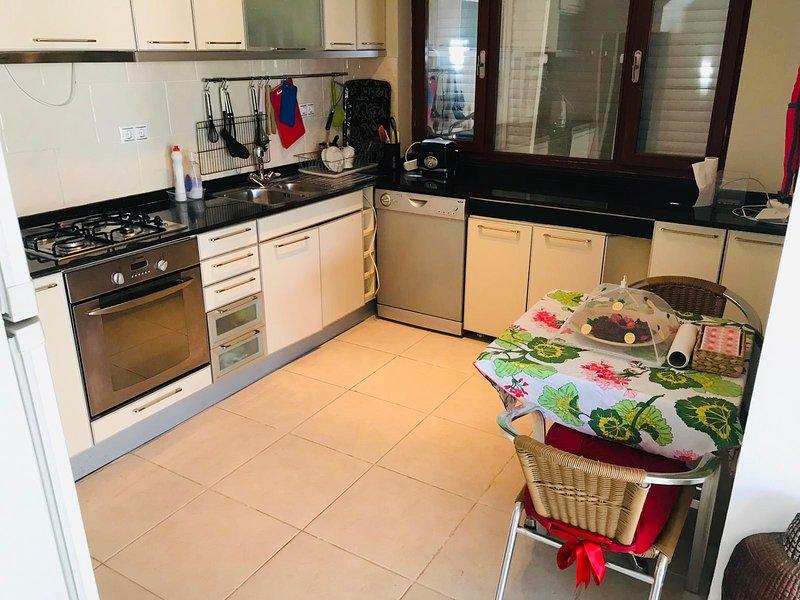 Stunning 3-Bed Villa with in Kadriye\Belek Antalya, vacation rental in Kadriye