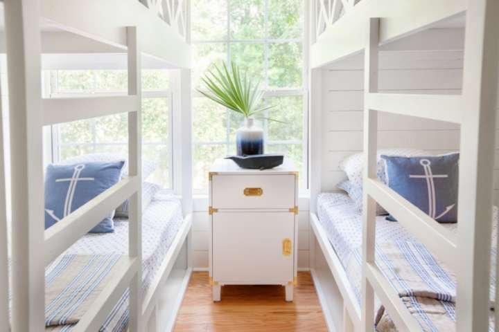 Charming Kid-Friendly Cottage. Minutes to Beach, Downtown, Boone Hall & Laurel H, aluguéis de temporada em Mount Pleasant