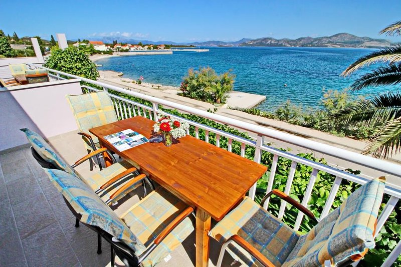 Apartments Stipo - Comfort Two Bedroom Apartment with Balcony and Sea View, holiday rental in Drace