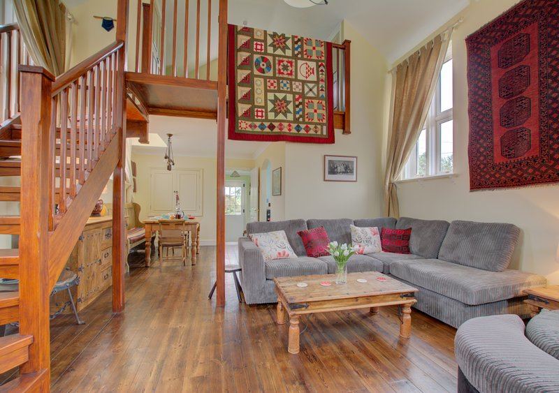 Chapel Cottage, holiday rental in Canterbury